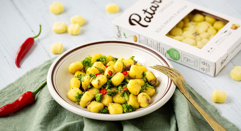gnocchi con broccoli acciughe e peperoncino